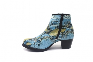 Ankle Boot model Óleo, manufactured in Cobra Turquesa