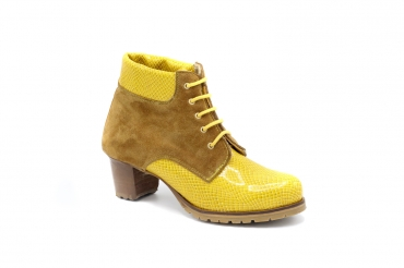 Ankel Boot model Meric, manufactured in Toga Cobra Amarillo Afelpado Nº1104