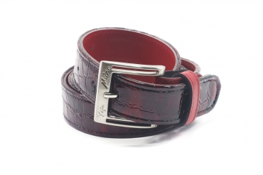 Model belt Lux, manufactured in Croco Patent Rojo_445 Napa Roja