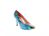 Loraine model shoe, made in turquoise cobra.