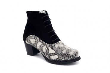 Ankle Boot model Debra, manufactured in COBRA NEGRA & BLANCA AFELPADO NEGRO